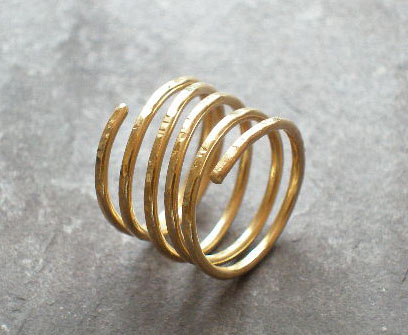 5 strand hammered 9ct gold ring