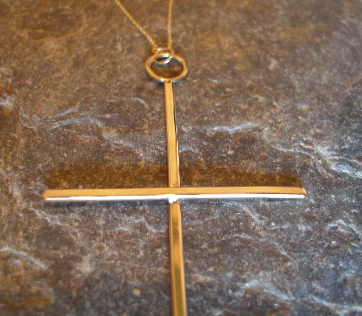 Large Plain 9ct Gold Cross