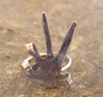 International V Peace Sign Silver Hand Ring